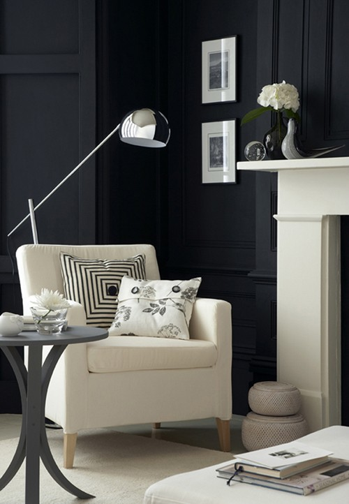 черно-белый интерьер зала
