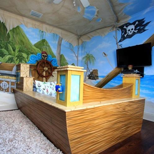 пиратская детская кровать