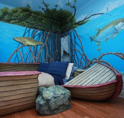 детская кровать в виде разбитой лодки