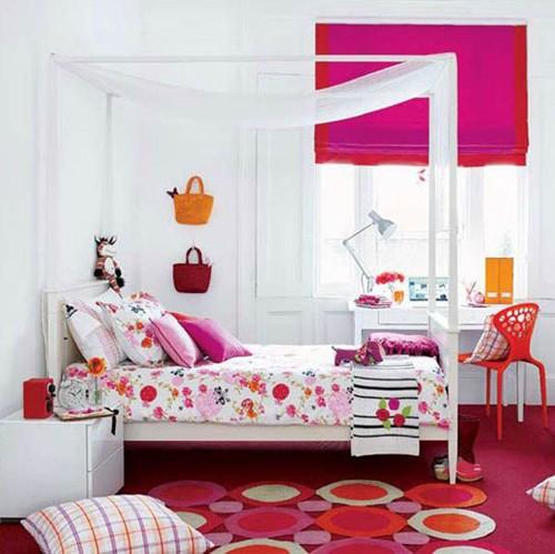 розовый в комнате для подростка девочки