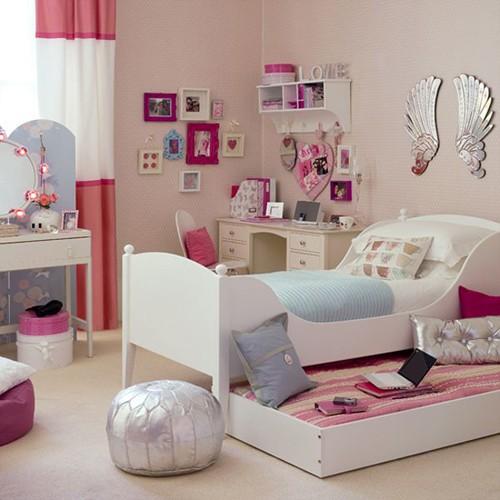 комната для подростка девочки с розовым декором
