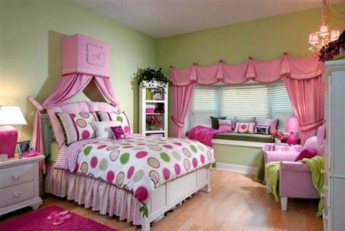 сочетание розового и зеленого в интерьере девочки