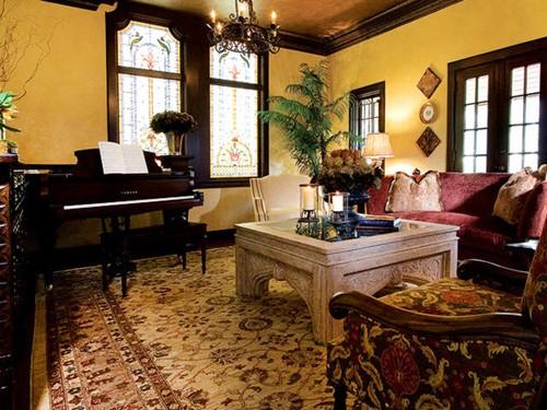желтый цвет в классическом интерьере гостиной