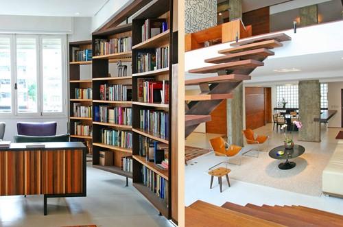первый этаж современной квартиры