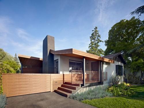обновленный фасад дома