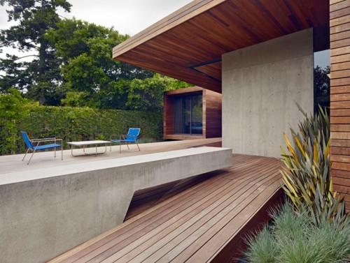 бетонные стены пристройки