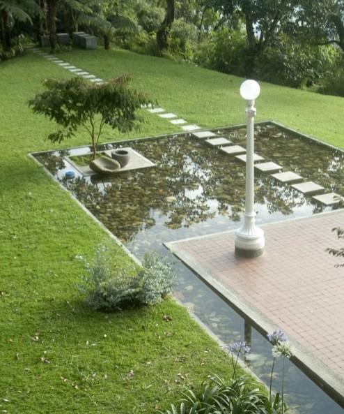 искусственный пруд в частном доме