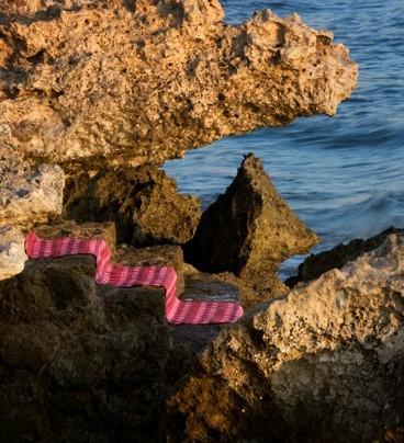 пластиковый ковер в ландшафте
