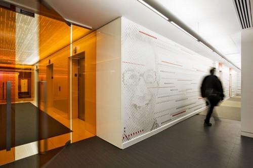 дизайн коридора в офисе
