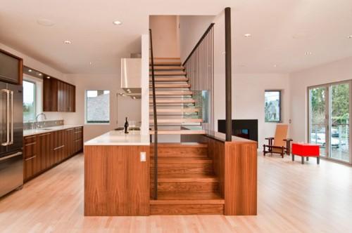 интегрированная лестница в интерьере