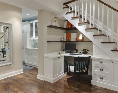 домашний офис под лестницей