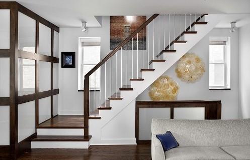 тумба под лестницей