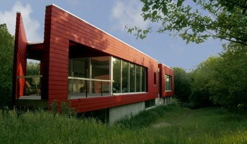 современный красный фасад