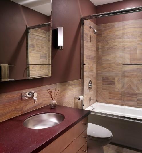 насыщенные оттенки в интерьере ванной