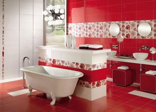 бело-красный интерьер ванной комнаты