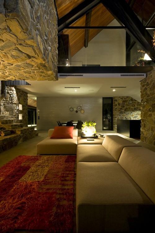 камень в интерьере современной гостиной