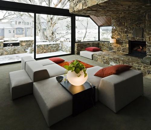 каменная кладка в интерьере гостиной