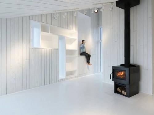 белый интерьер дома в стиле минимализм