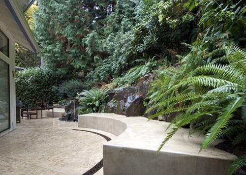 интегрированная садовая скамейка радиусной формы