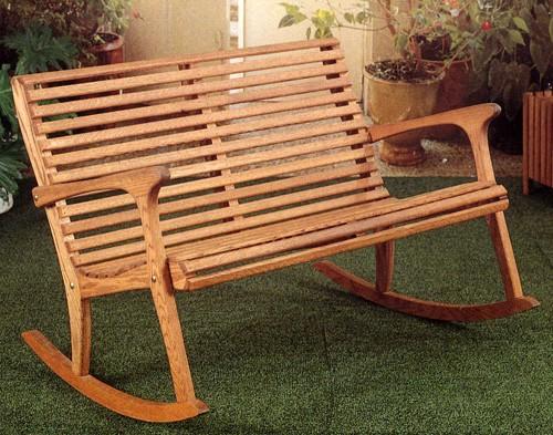 садовая скамейка качалка