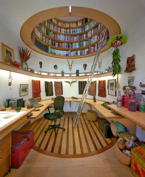 домашняя библиотека в рабочем кабинете