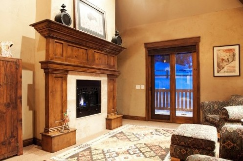 деревянная облицовка каминного портала