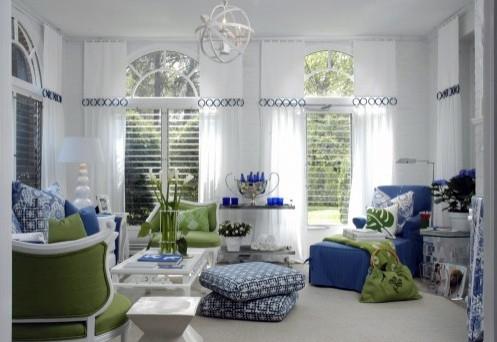 сочетание синего и зеленого в интерьере гостиной