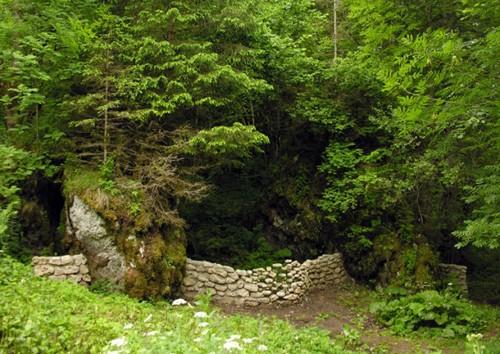 парящие камни в садовом ландшафтном дизайне