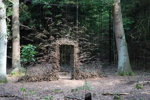 оригинальная арка в саду