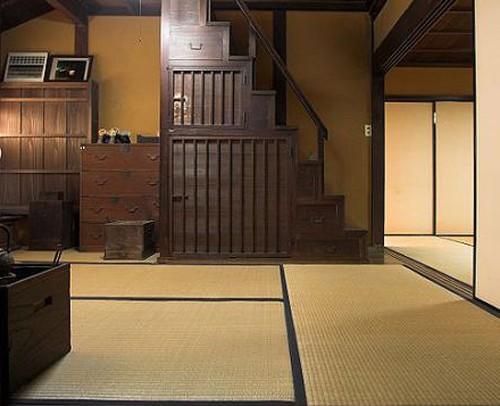 циновки и мебель в японском интерьере