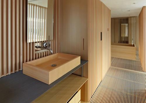 натуральные материалы в японском интерьере ванной