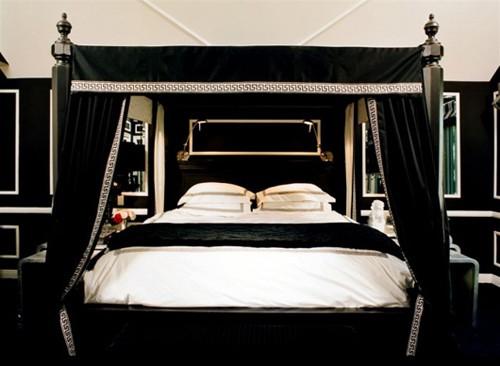 классическая черно-белая спальня