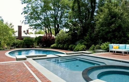 современный дизайн частного бассейна