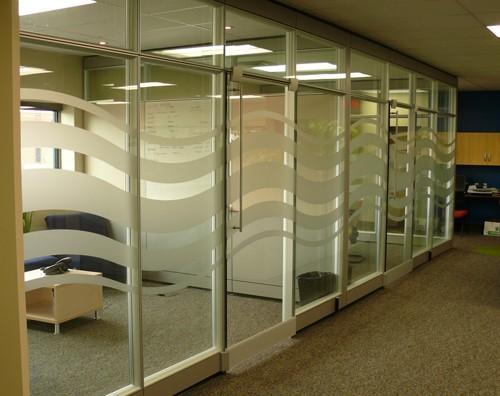 последовательное расположение переговорных зон в офисе