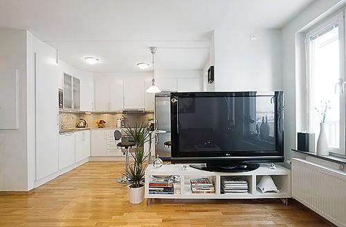 белый интерьер квартиры студии