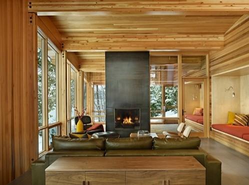 сочетание деревянного потолка с деревянными стенами