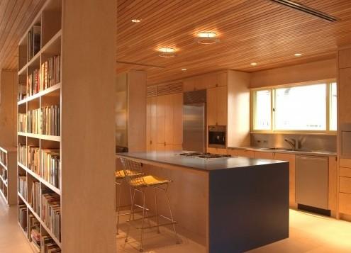 деревянный потолок в современном интерьере