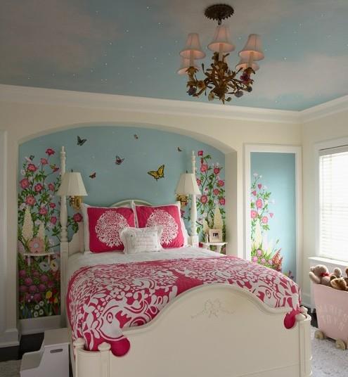 роспись в комнате девочки