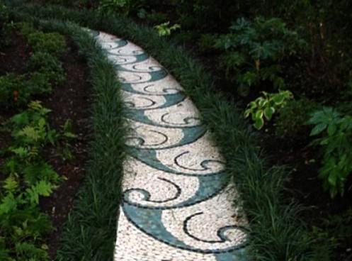 мозаичная садовая дорожка