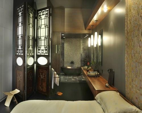 спальня с роскошной ванной