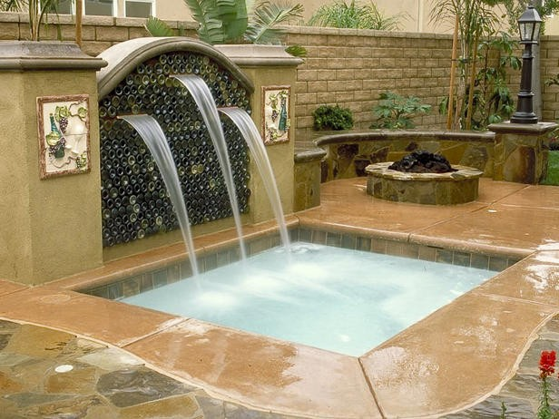 бетон и стекло в оформлении фонтана