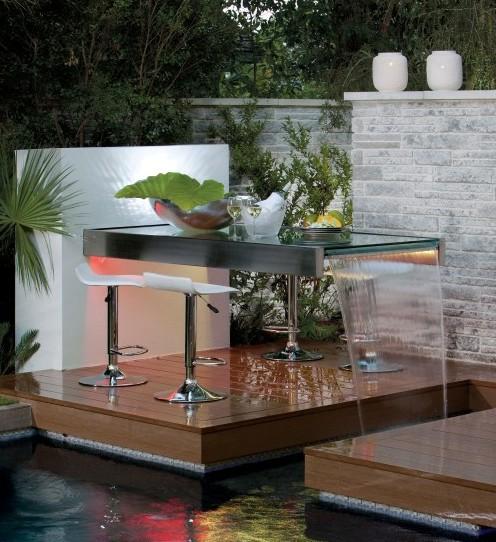 садовый столик с фонтаном