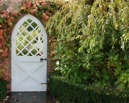 садовая калитка в виде двери