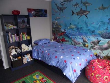 обои аквариум в интерьере спальне