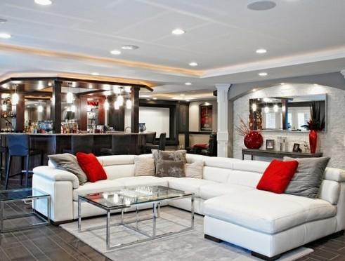 дизайн гостиной на цокольном этаже