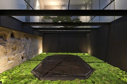 стеклянное перекрытие в дизайне отеля