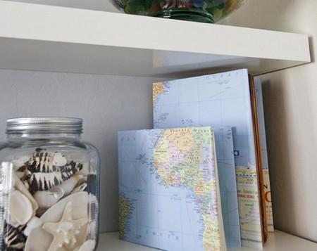 обложка для книг из географической карты