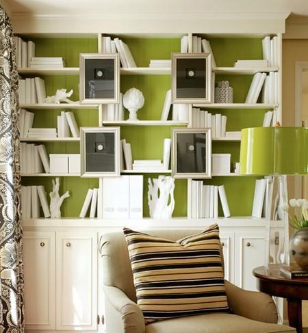 белые обложки для книг в стильном интерьере