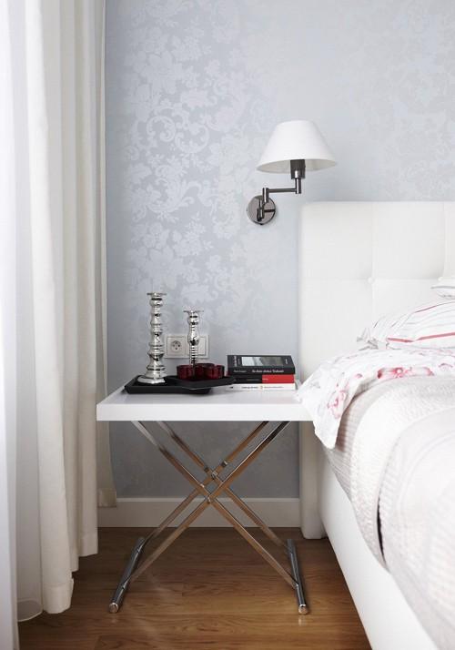 глянцевые элементы в спальне