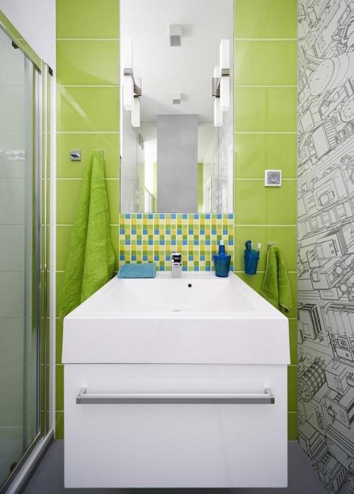 графический декор в интерьере ванной